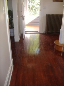 hardwood-floor-cleaned-with-olive-oil